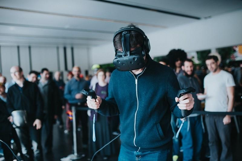 משחקיות וארקדיות של מציאות מדומה חייבות להיות חברתיות על מנת להצליח